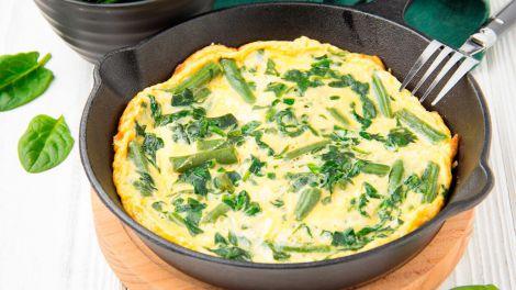 Швидко і корисно: рецепт омлету зі шпинатом на сніданок