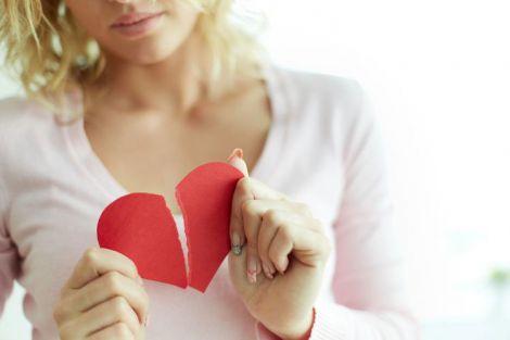 Розрив стосунків ранить у саме серце