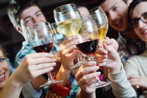 Медики розповіли, скільки алкоголю можна вживати без шкоди для здоров'я