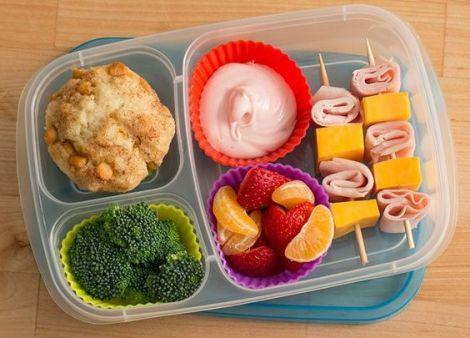 Корисні шкільні перекуси для вашої дитини
