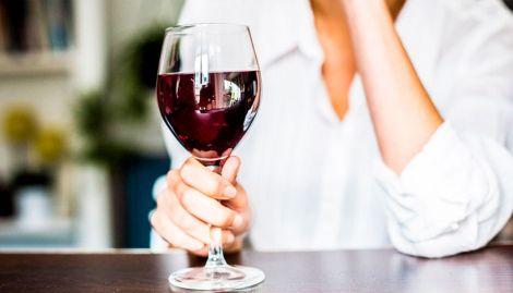 Істина у вині: чому потрібно пити цей напій?