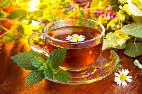 Заспокійливий чай з ромашкою