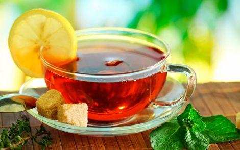 Чому небезпечно пити чай на карантині?
