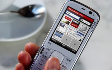 мобільний телефон може негативно впливати на здоров'я людини