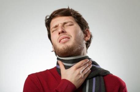 Як швидко вилікувати біль у горлі: 3 способи