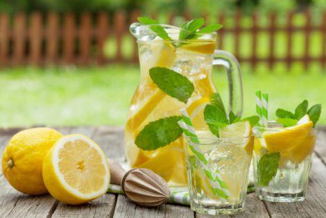 Очищуємо організм лимонадом
