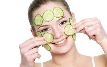огіркові маски допоможуть омолодити шкіру