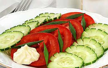 поєднання огірка та помідора може бути небезпечним для здоров'я