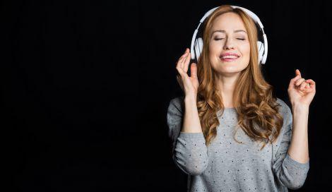 Прослуховування музики під час сну