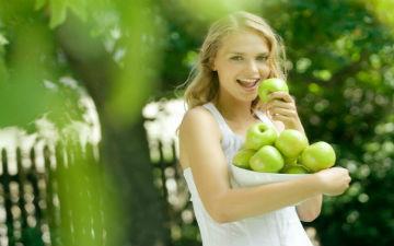 Яблука омолоджують