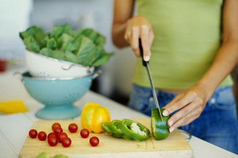 Вчені розповіли, як дієта впливає на жінок