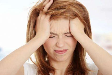 Эмоциональное напряжение - один из симптомов ПМС