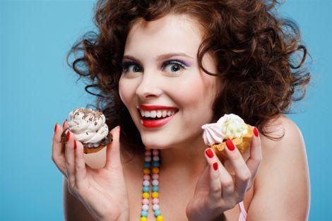 Надмірне вживання солодощів шкодить фігурі