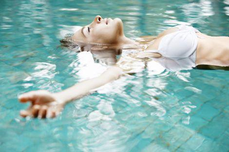 Основні правила схуднення в басейні