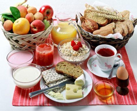 Що не можна їсти на сніданок?