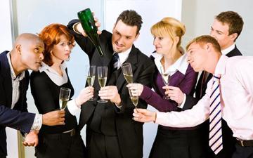 алкоголь допоможу просунутись кар'єрною драбиною