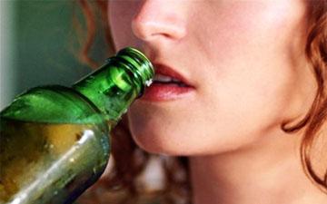 жінки середнього віку найчастіше зловживають алкоголем