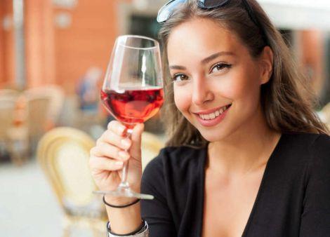 Алкоголь покращує жіночий інтелект