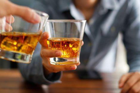 Науковці радять чоловікам вживати алкоголь