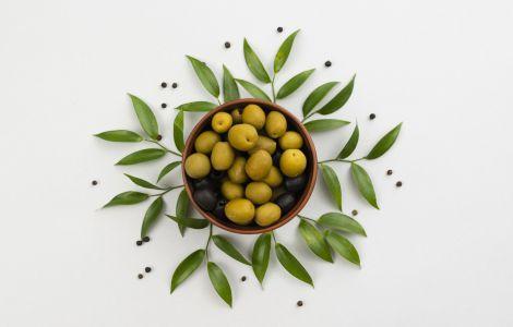 Листя оливок