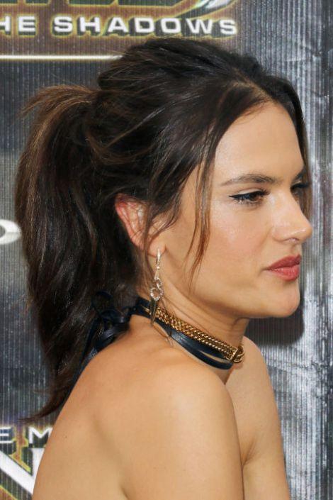 hbz-sexy-hairstyles-alessandra-ambrosio.jpg (52.43 Kb)